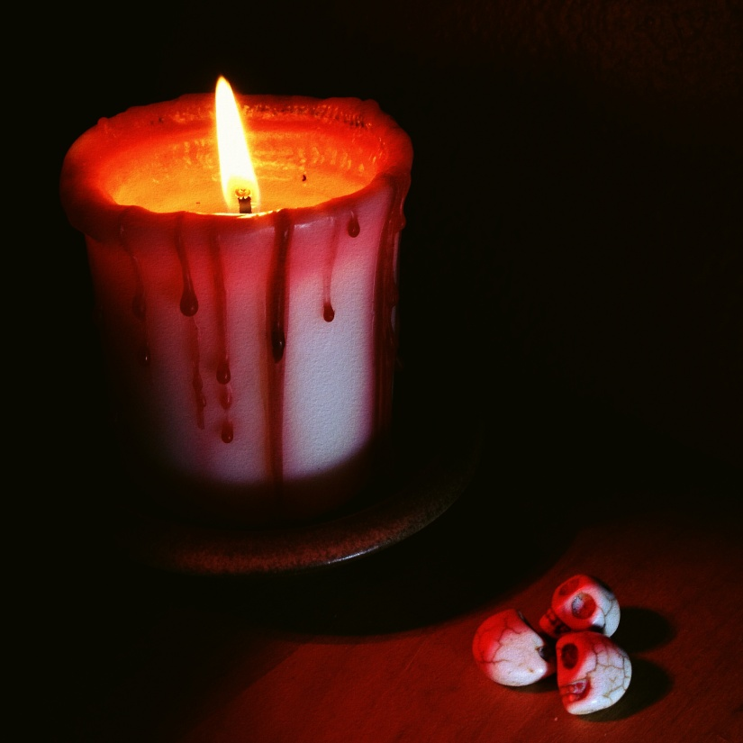 blood_candle_skulls