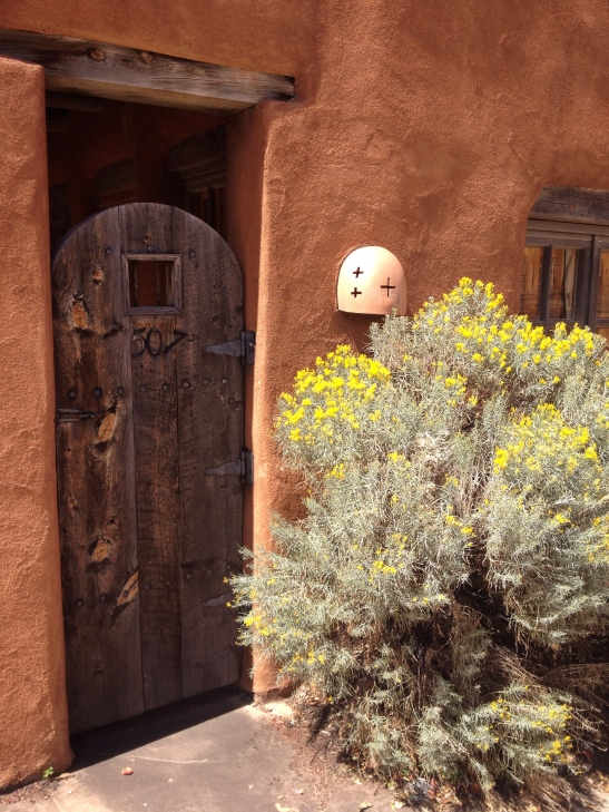 weathered-wood-door-santa-fe-architecture_29083285123_o